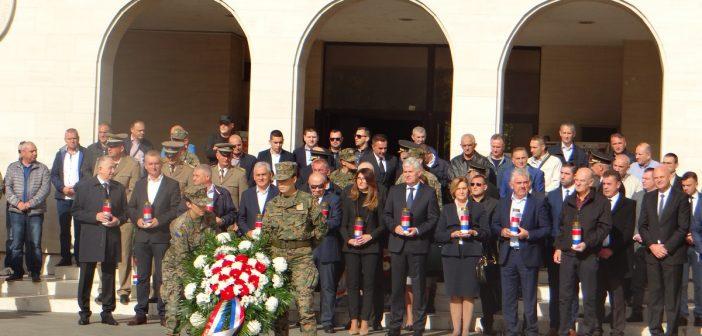 Izaslanstvo Hrvatskog narodnog sabora obilježilo blagdan Svih svetih i Dušni dan u Mostaru